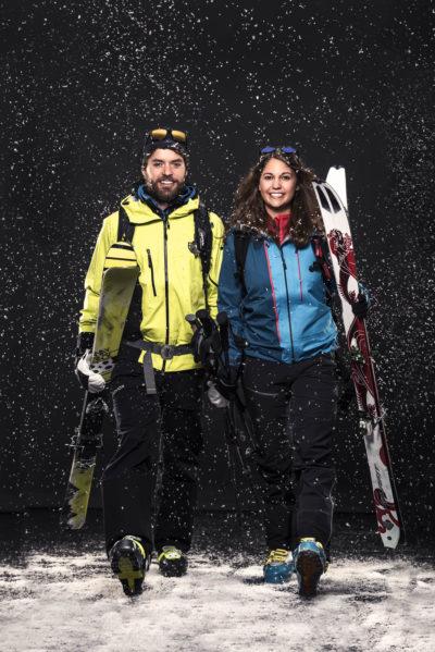 Fashion-und-Lifestyle-Fotograf-Sport-Okay-Winter-Outfit-Skifahren-Christoph-Hasibeder-Fotostudio-Tirol