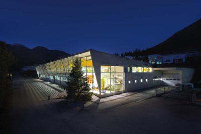 Architektur-Fotograf-Aussenansicht-Nacht-Chris-Hasibeder-Photographer-Austria