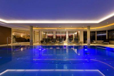 Architektur-Fotografie-Der-Stubaierhof-Neustift-Indoor-Pool-Christoph-Hasibeder-Fotograf-Innsbruck